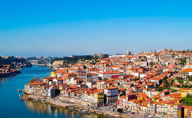 Португалия повысила налог на недвижимость с видом