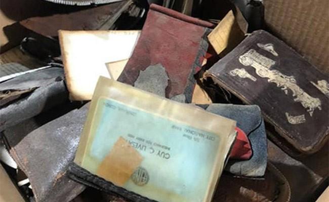 Женщина нашла потерянный 75 лет назад кошелек
