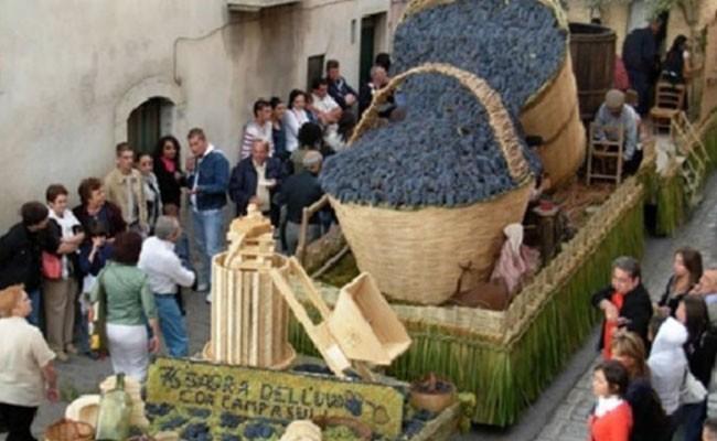 Италия: праздник Винограда в Солопака